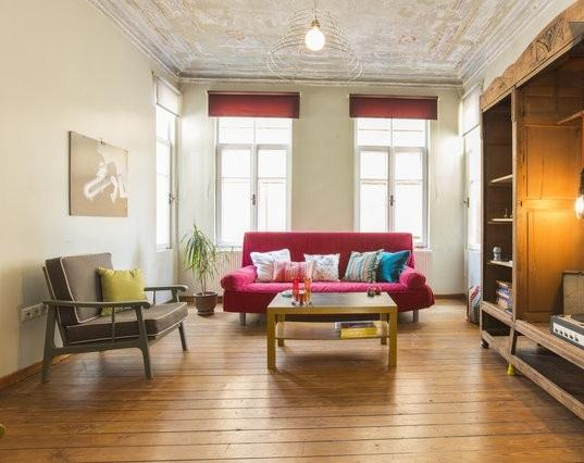 living room with a sofa that converts to a double bed. - Galata Charm+High Ceilings+ 4Rooms - Istanbul - rentals