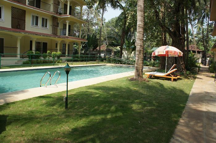07) 1 Bed Apartment Emerald Court, Nagoa & Wi-Fi - Image 1 - Arpora - rentals