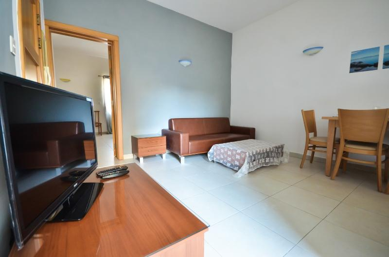 Modern Flat 200m away from the Sea - Image 1 - Il Gzira - rentals