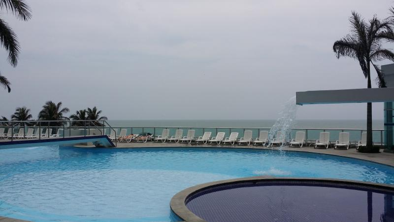 pool - Rentascartagena luxury 2 bedroom 2 bath oceanfront - Cartagena - rentals