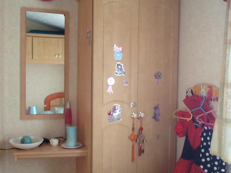Wardrobe second bed room - Caravan sleeps 4/6 - Symonds Yat - rentals