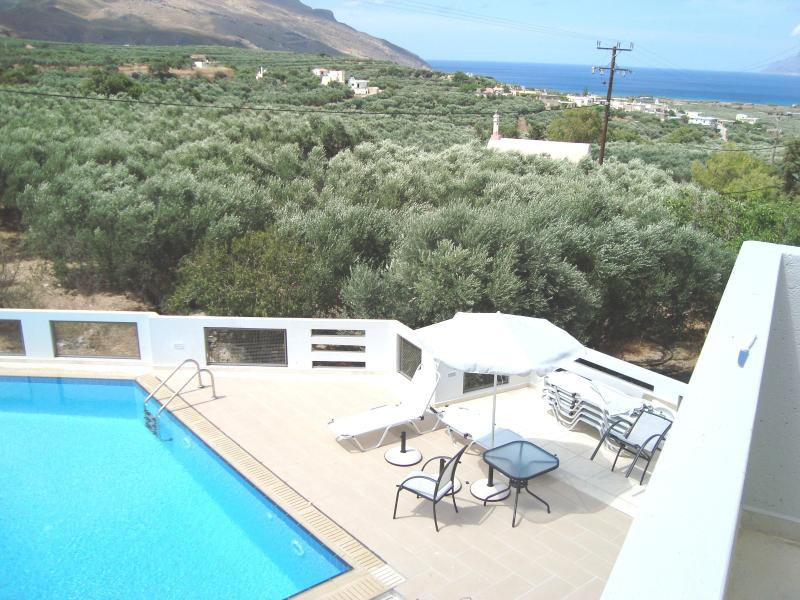 VIEW FROM BALCONY TO THE POOL - luxury big apartment , 2 bedrooms, sea view,  pool - Kissamos - rentals