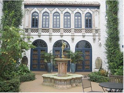 Romantic Court Yard - 8,000 Sq Foot Mansion- Walk to Beach- Huge Pool - Hollywood - rentals