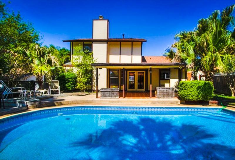 Your private backyard oasis - New! Affordable 4 BR w/ Pool in NE San Antonio - San Antonio - rentals