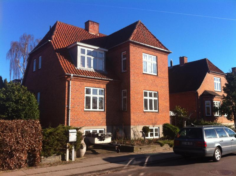 Apartment in the master builder villa., with FREE parking in front of the house. - Large apartment in Køge next to Copenhagen - Koge - rentals