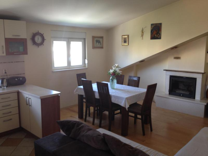Split apartment for 9, Ultra Europe- Zone A - Image 1 - Split - rentals