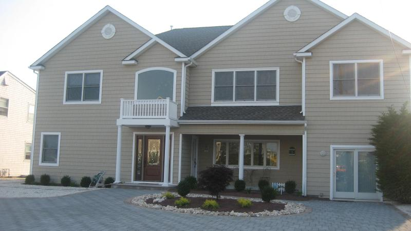 WATERFRONT PARADISE WITH POOL AND SPA! 4th of July Special!! - Image 1 - Mantoloking - rentals