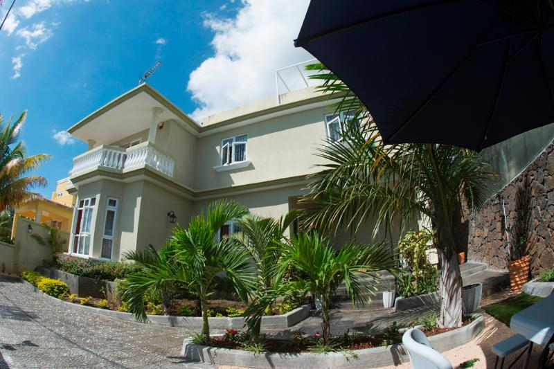 Villa Nurev - Villa Nurev: A family getaway - La Gaulette - rentals