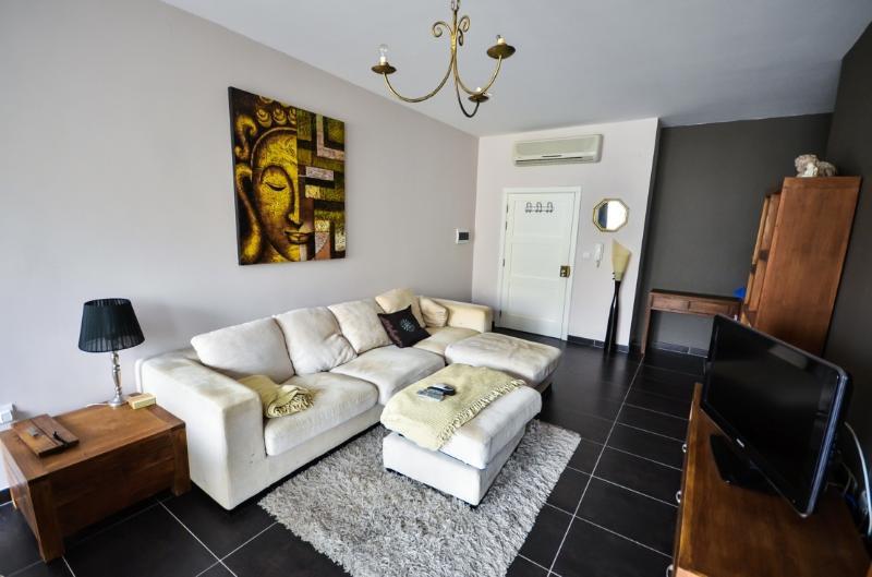 Super Modern 2 Bed Apartment in St.Julians/Swieqi - Image 1 - Swieqi - rentals