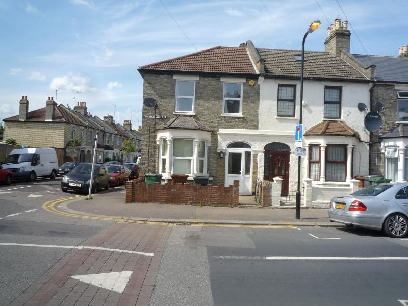 Rental  house - 3 Bedroom house (H) 20 min. to  City centre   Lond - London - rentals