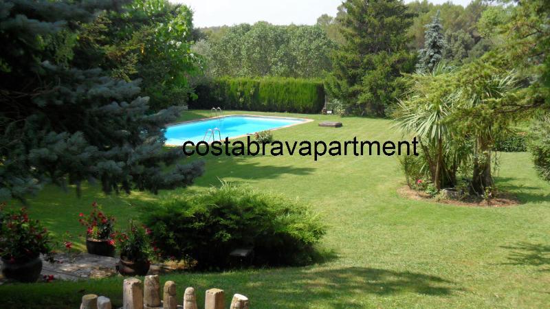La Rectoria, private pool. Max 12 people. 12kms to Costa Brava Beaches - Image 1 - Llampaies - rentals