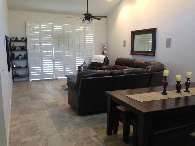 Living room - 2 Bed, 2 Bath Condo in Palm Desert, CA - Palm Desert - rentals