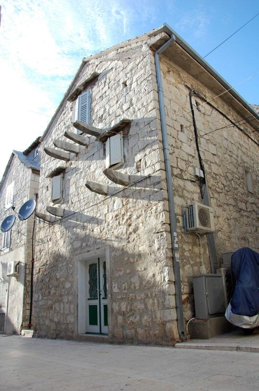 Charming stone house studio - Image 1 - Split - rentals