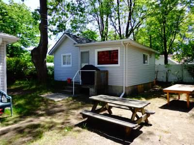 Cottage #3 - Biermans Cottage Company, Cottage #3, Large 6-8 pp - Wasaga Beach - rentals