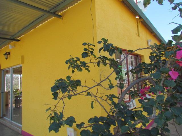 Walking towards the house - HeTeKa - rural home away from home - NEAR WINDHOEK - Windhoek - rentals