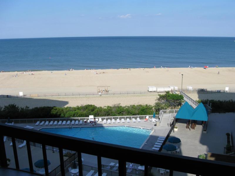 View from balcony - Sea Colony Farragut House Oceanfront Condo - Bethany Beach - rentals