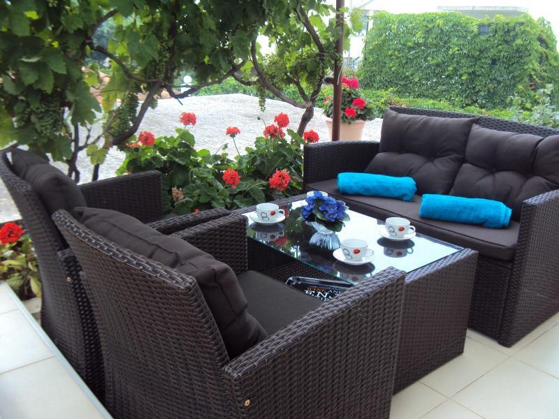 Apartments Dijana - Trogir - Image 1 - Seget Vranjica - rentals