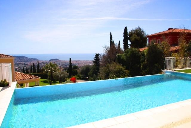 01 - Excellent Villa with a Sea View and Garden, in Nice - Nice - rentals