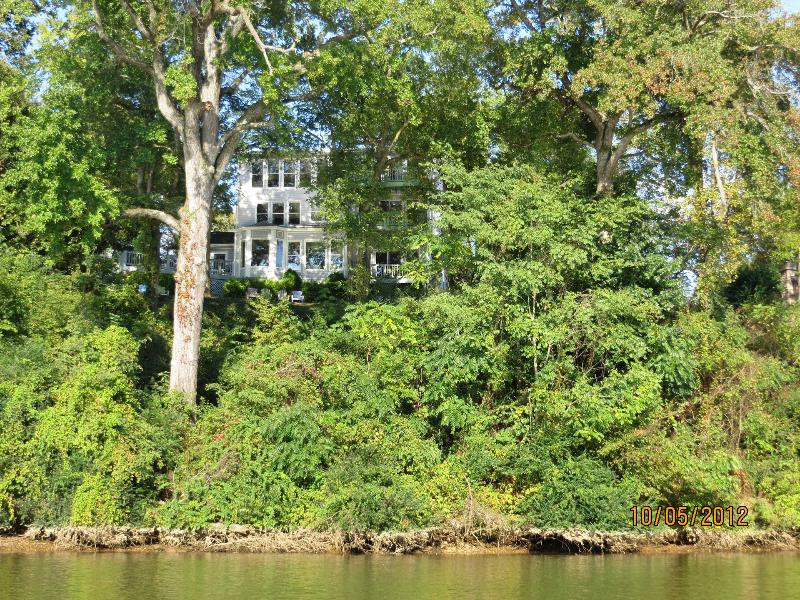 The Fredericksburg RiverHouse awaits your arrival - Fredericksburg RiverHouse - Fredericksburg - rentals