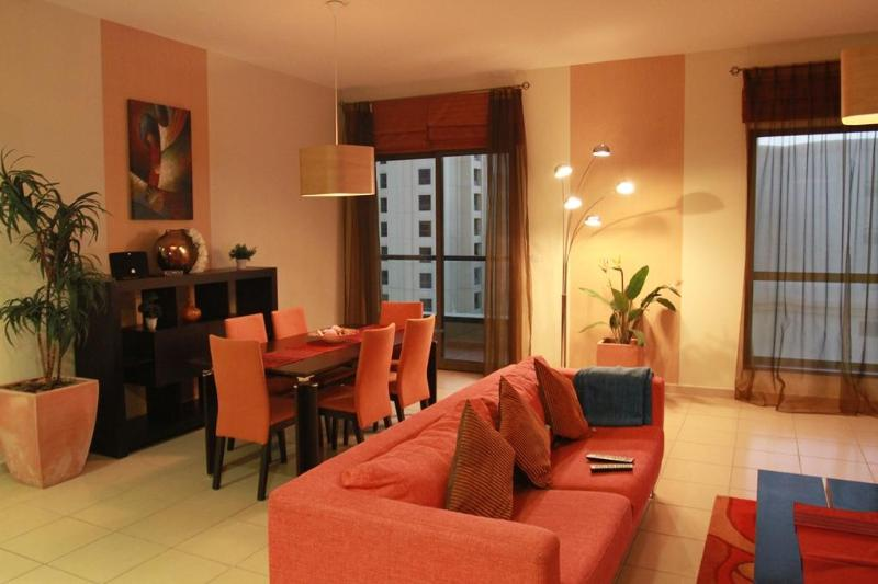 Cosy & Luxury 2-Br apt In Jumeirah Beach Residence - Image 1 - Dubai - rentals