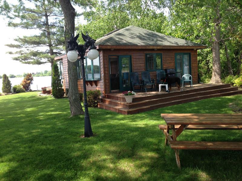 Rear of North Cottage looking North - Private Island, 1000 Islands, Gananoque, Ontario - Gananoque - rentals
