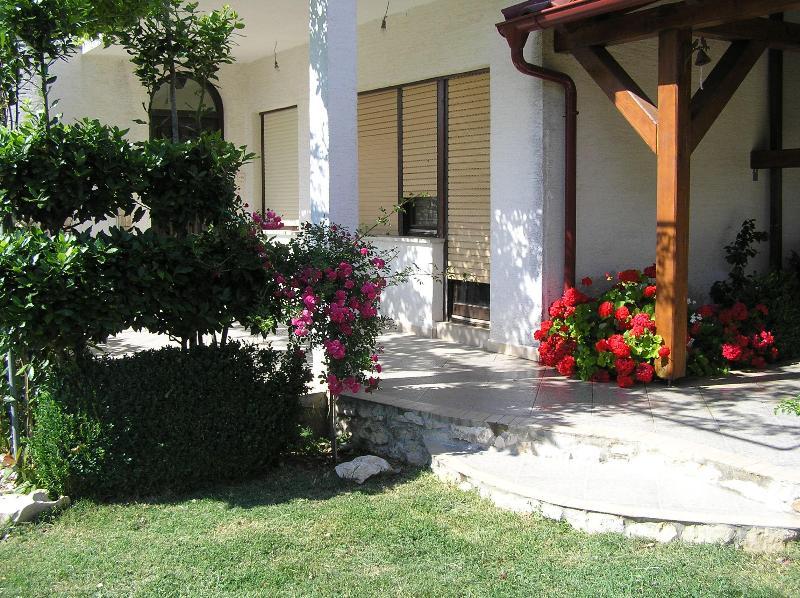 ulaz na terasu - Kuća  za ugodan odmor - Razanac - rentals