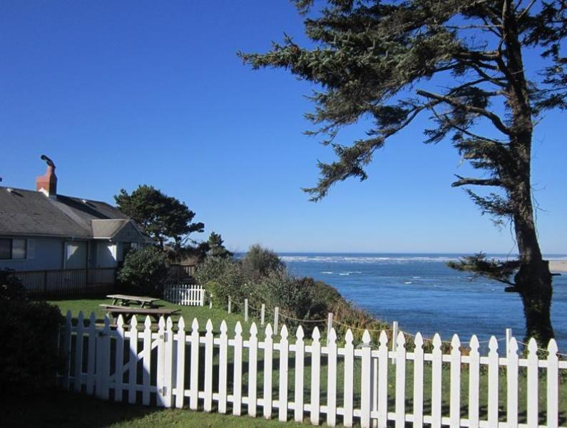 Above All - Exterior - ABOVE ALL - Waldport - Waldport - rentals