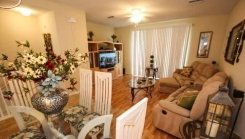 Spacious 3 Bedroom 3 Bathroom Town Home Near Universal - Image 1 - Orlando - rentals