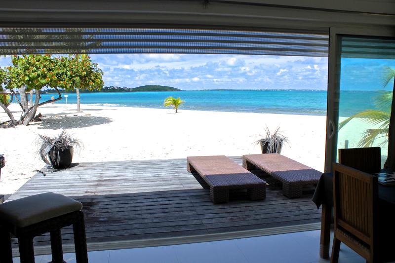 Place2B luxury apartment directly ON THE BEACH - Image 1 - Saint Martin-Sint Maarten - rentals