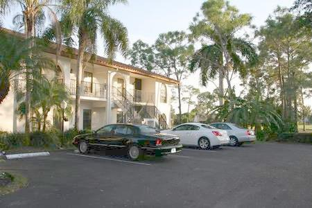 Sweeping fairway views just steps from the quiet pool! - Image 1 - Naples - rentals