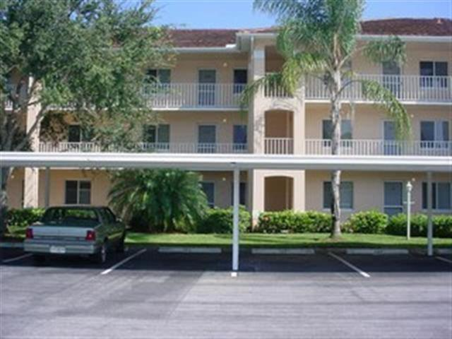 Perfect first floor condo in a great community - Image 1 - Naples - rentals