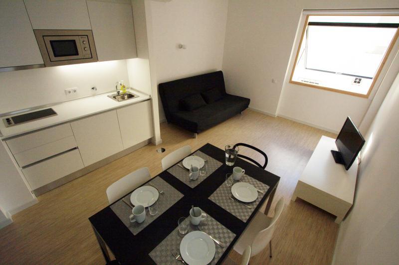 Kitchen and Living - 110-1 -OPO.APT - Art Déco Apartments in Oporto - Porto - rentals