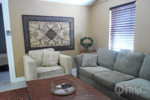 Living Area - The Sailfish Beach Cottage - Fort Myers Beach - rentals