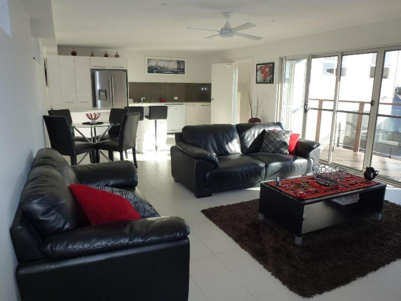 Living Area - BHavan - your home away from home. New apartment. - Port Macquarie - rentals