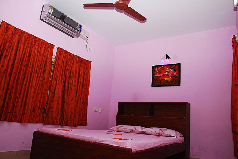 Bed Room 1 GF - Fully furnished | A/c | Independent | Govt Approve - Kochi - rentals