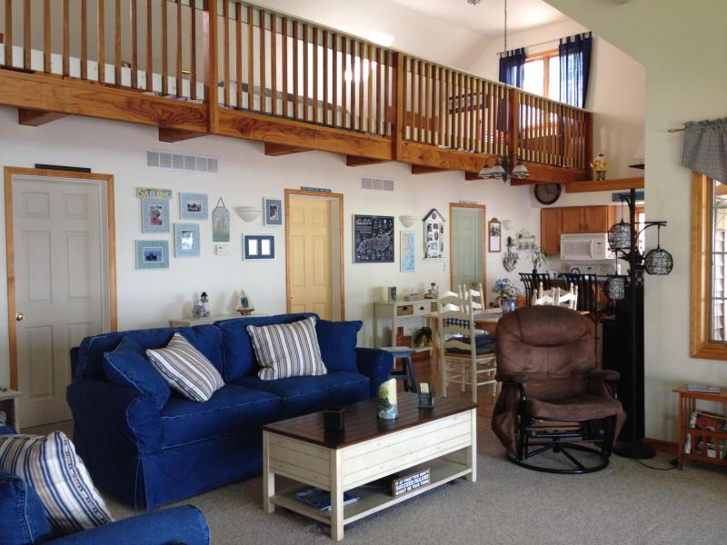 Spacious Living Room - Great Cottage Living - Pebble Beach - Romulus - rentals