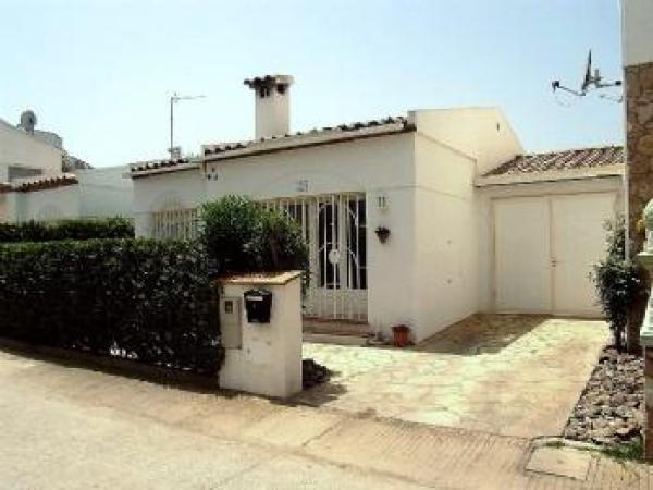 HOUSE WITH MOORING -HUTG-011097 - Image 1 - Empuriabrava - rentals