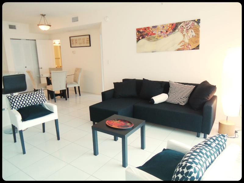 Romantic apart 1 bedroom gorgeous view - Image 1 - Sunny Isles Beach - rentals