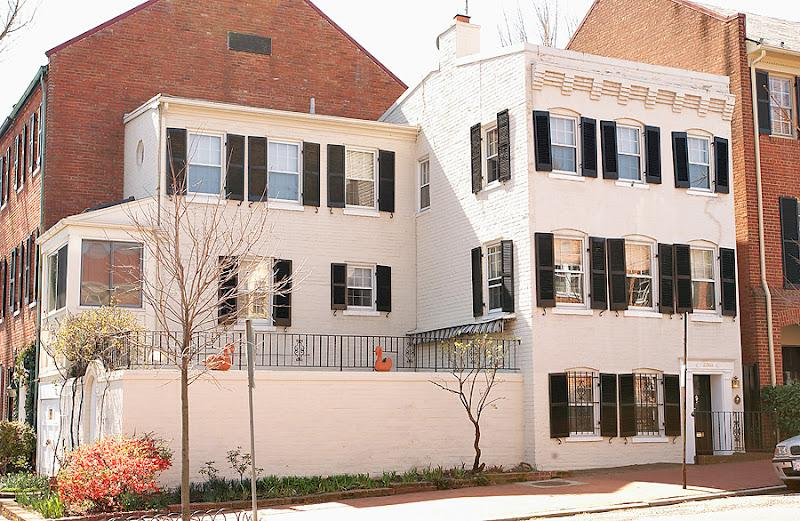 L shaped house with private walled patio - Historic GEORGETOWN House  **  Walk to everything - Washington DC - rentals