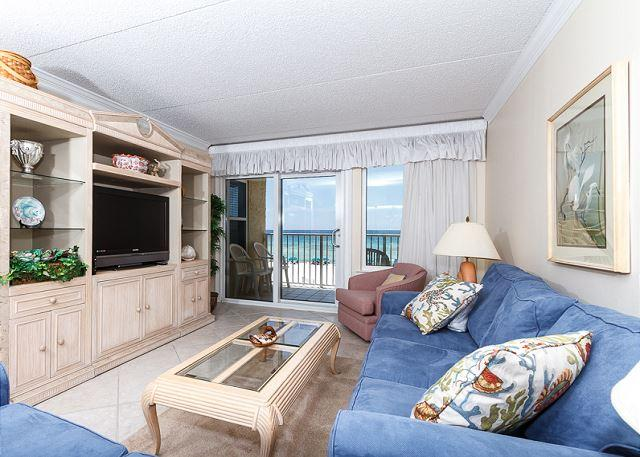 New flat screen TV and a great beachfront view - both for your v - IE 3L: Gorgeous beachfront unit- gulf view, internet, free beach chairs - Fort Walton Beach - rentals