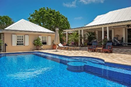 Picturesque Villa Captiva has a heated pool, private dock and sea access - Image 1 - Marigot - rentals