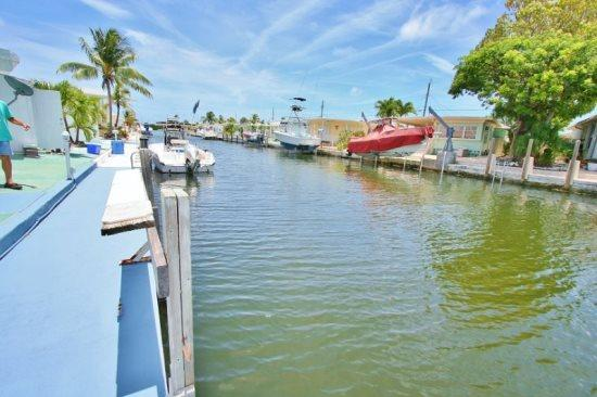 Seaside Haven ~ Waterfront with Dock and 2 Kayaks - Image 1 - Marathon - rentals