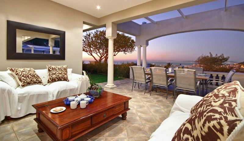 A 6 Bedrooms Luxurious House in Fresnaye/Bantry Bay - Image 1 - Cape Town - rentals