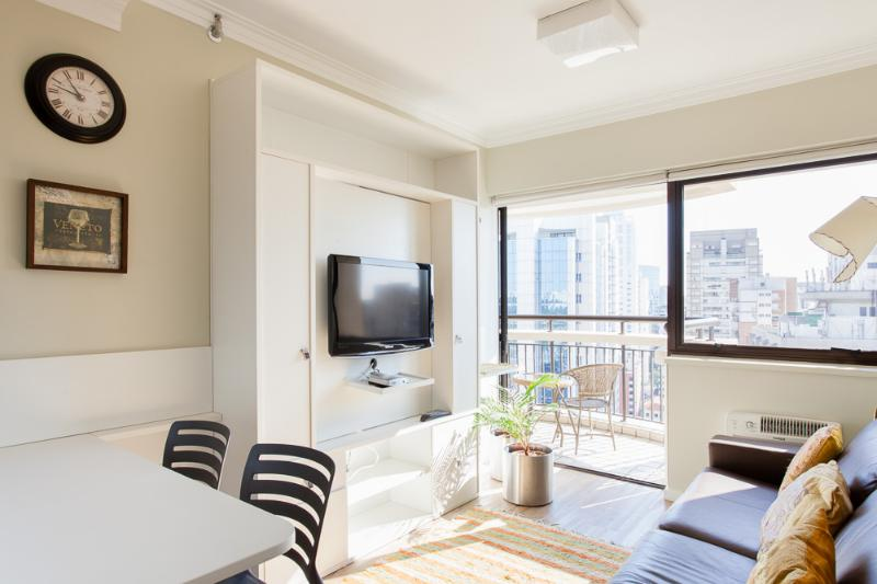 Bright 1 Bedroom Apartament in Itaim Bibi - Image 1 - Sao Paulo - rentals