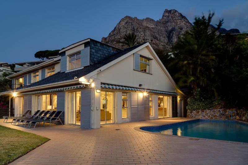 6-bedroom, 6 bathroom Beautiful Villa in Camps Bay - Image 1 - Cape Town - rentals