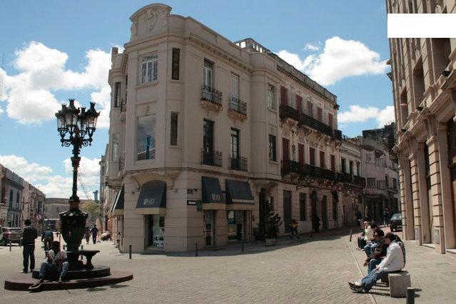 Fab Reno StudioApt Ciudad Vieja,BalconyTerrace/BBQ - Image 1 - Montevideo - rentals