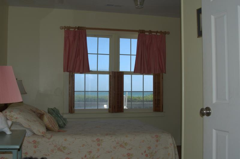 Upstairs yellow room with view of the ocean - Family beach house for a large crew - Atlantic Beach - rentals