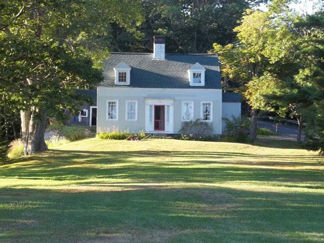 Captain Kents Place - CAPTAIN KENT'S HOUSE | SUMMER COTTAGE | 1832 FARMHOUSE | WATER'S EDGE | BOAT HOUSE | PRIVATE DOCK & FLOAT | SECLUDED COVE | SAWYER`s ISLAND | FAMILY VACATION | BOOTHBAY | MIDCOAST MAINE - Boothbay - rentals
