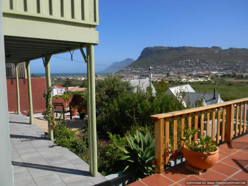 View from entertainment deck - Magic Maison Mosaic Villa with sea views - Fish Hoek - rentals