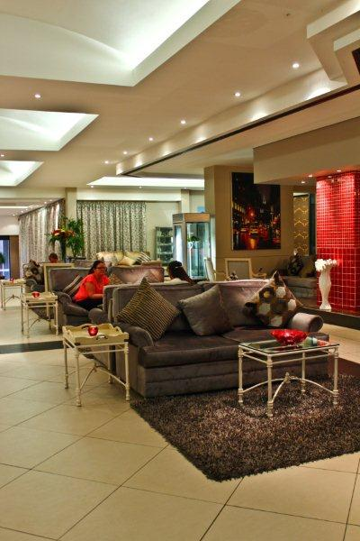 3 Bedrooms Penthouse Apartment in Green Point - Image 1 - Cape Town - rentals